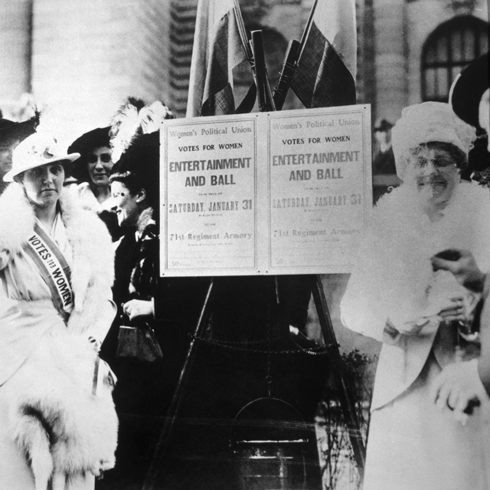 Photograph of suffragists from the Women's Political Union